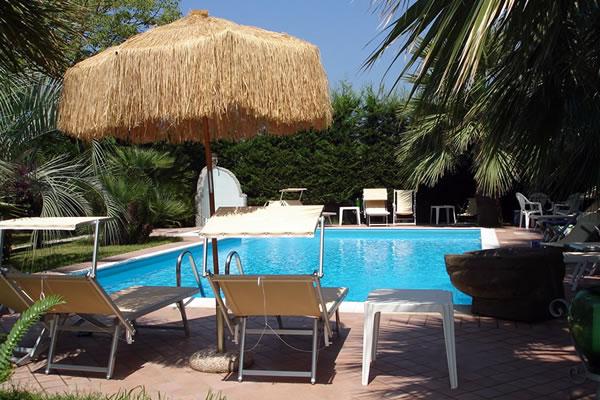 Residence Villa Cristina - Piscina Scoperta